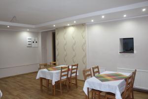 Sala konferencyjno restauracyjna widok 2